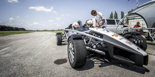 Bláznivá jízda v rychlém autě Ariel Atom 3.5