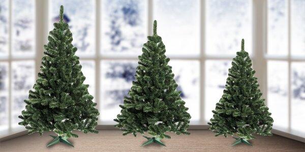 Krásné umělé vánoční stromky v několika velikostech