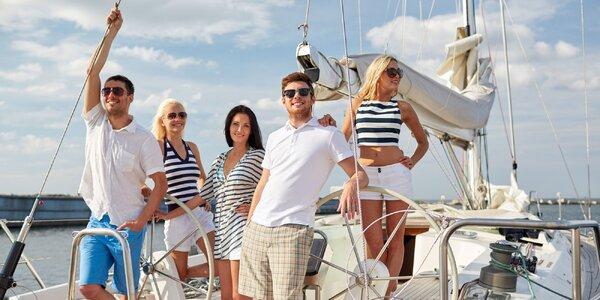 Hodinová plavba Prahou v motorové plachetnici