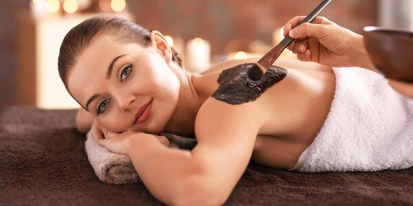 Rašelinový zábal a masáž zad teplým olejem