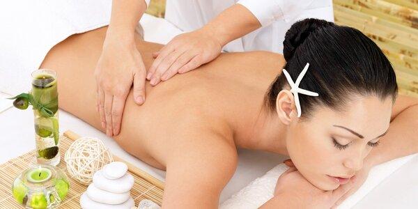 Aroma masáž zad a šíje v délce 40 minut