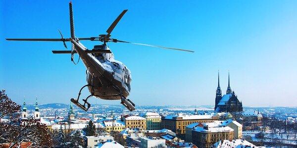 Vyhlídkový let vrtulníkem až pro 3 osoby