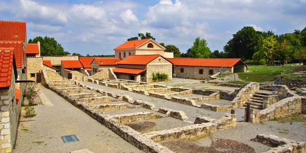 Do Rakouska: Slavná čokoládovna a římské lázně