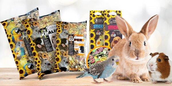 Krmivo pro papoušky, králíky a hlodavce