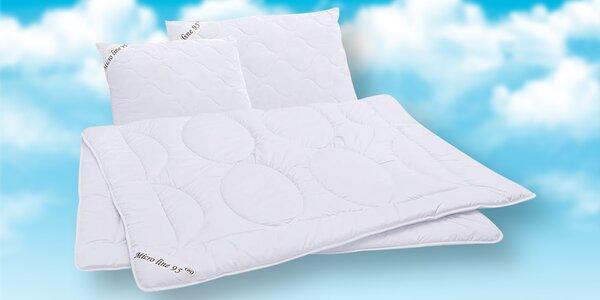 Výběr polštářů a přikrývky z mikrovlánka
