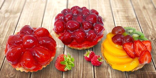 Velké linecké košíčky s pudinkem a ovocem