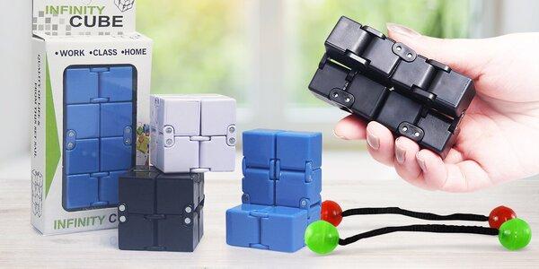 Dvě antistresové hračky: Kostka a kuličky