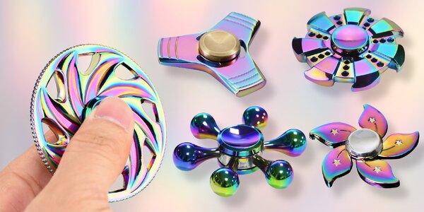 Kovové fidget spinnery v duhovém provedení