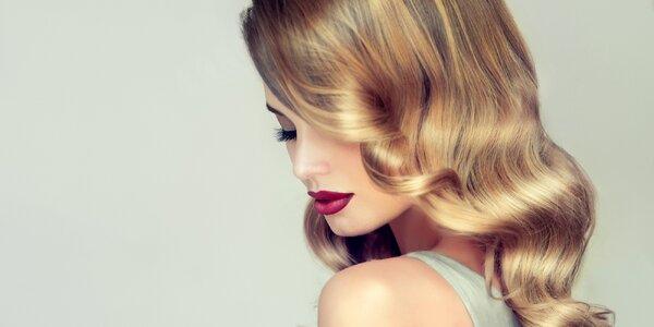 Kompletní dámský střih včetně vlasové kúry
