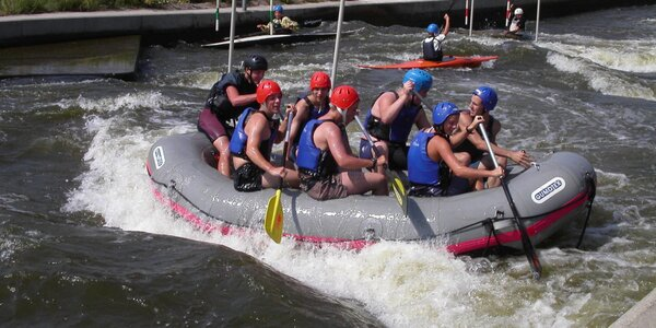 Zážitkový rafting na kanálu Trója v Praze
