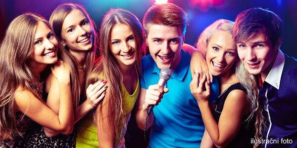 Zábavná hodina v karaoke salónku a XXL drink