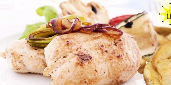 139 Kč za DVĚ porce kuřecích medailonků, bramborové přílohy a tatarky.