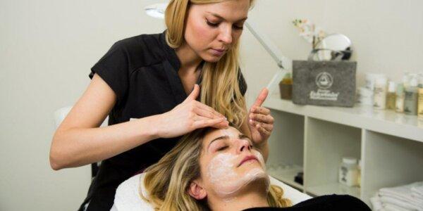 Kosmetické ošetření pleti včetně masáže