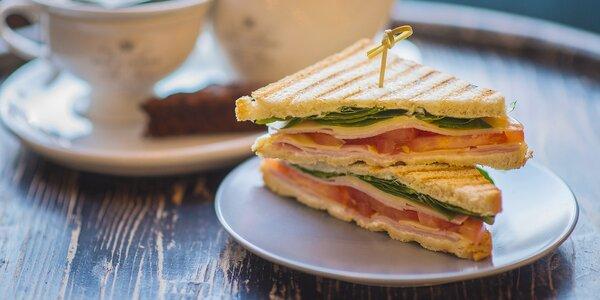 Snídaně na Václaváku: toast nebo wrap a nápoje