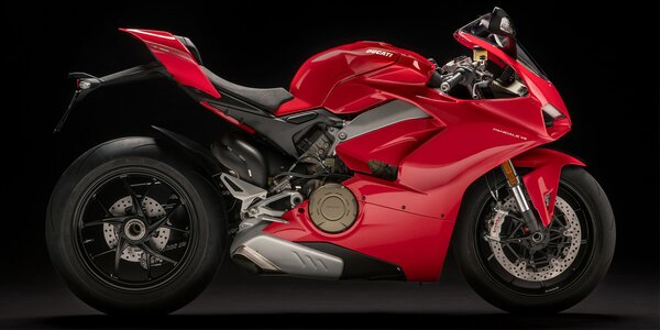 Řidičem motorky Ducati na 40 minut nebo 8 hodin