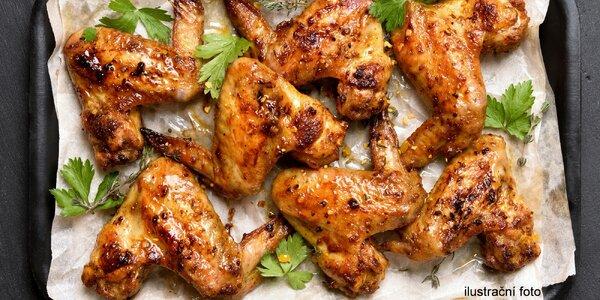 Kuřecí hostina: 1,5 kg křídel v BBQ marinádě