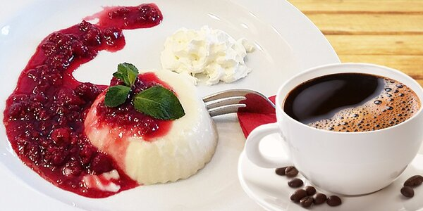 Cappuccino nebo káva a dezert panna cotta