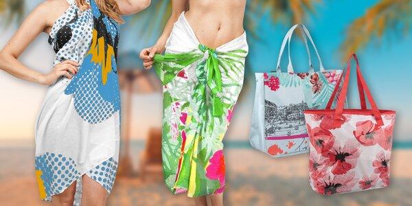 Plážové tašky a letní vzdušná parea