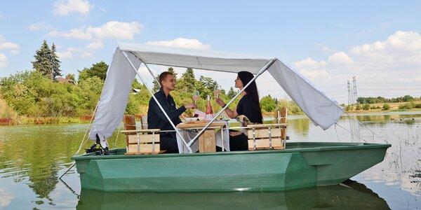 Hodina na piknikové lodi s občerstvením