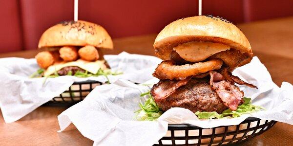 Výběrové burgery v domácí bulce u náplavky