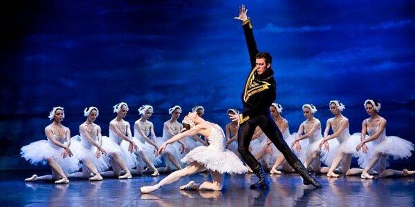 Srpnové baletní představení Labutí jezero
