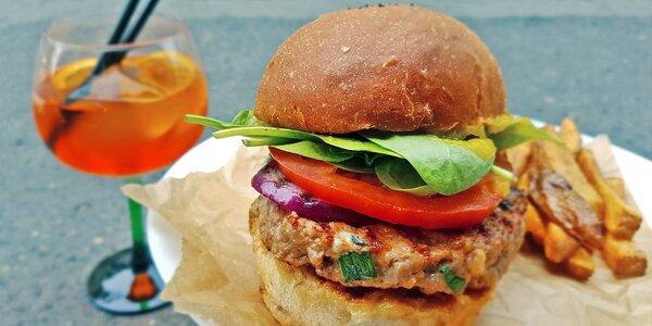 Krůtí, halloumi i lososový burger dle výběru