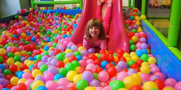 Hranická džungle: vstup do barevné dětské herny