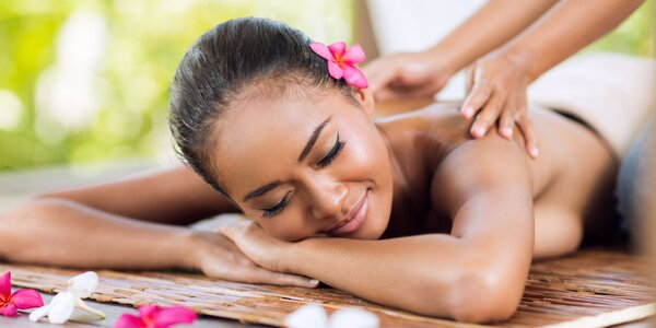 Dovolená v salonu: exotické masáže a kosmetika