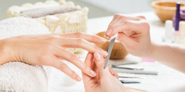 Péče o vaše ruce: Manikúra s možností lakování