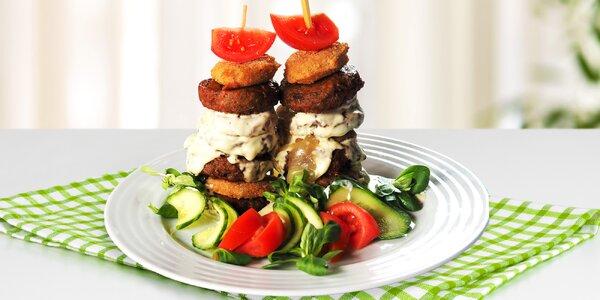 Věž z bramboráčků a masa nebo tvarůžků pro 2