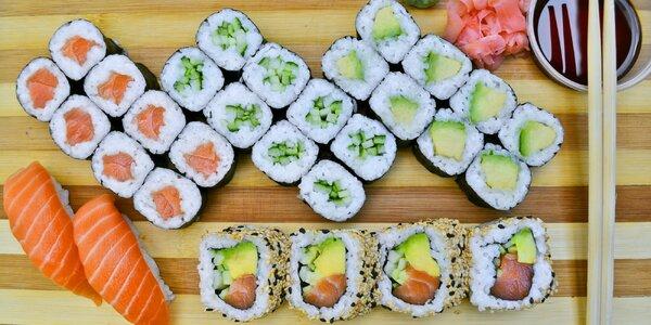 Výběr z 5 sushi setů vč. závitků a polévek miso