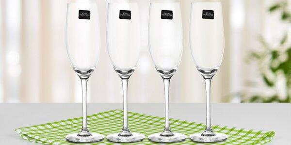 Sady hrnečků na kávu i sklenic na šampaňské