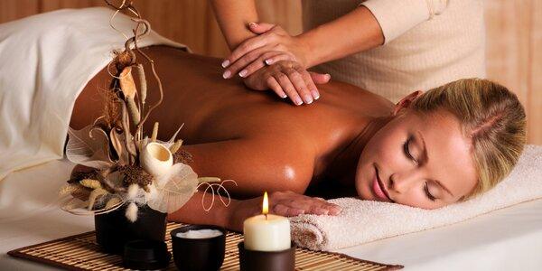 Relaxační masáž zad a šíje vč. zábalu rukou