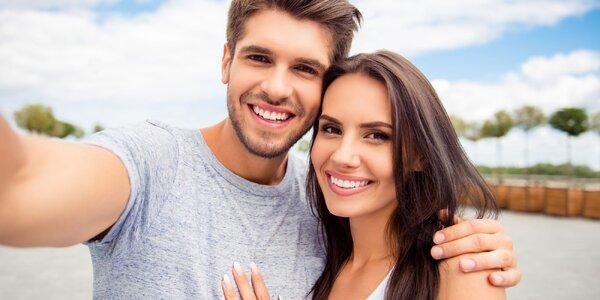 Bezperoxidové bělení zubů s aktivnímy částečkami uhlí