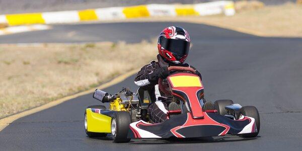 8 nebo 16 minut adrenalinové jízdy v motokáře
