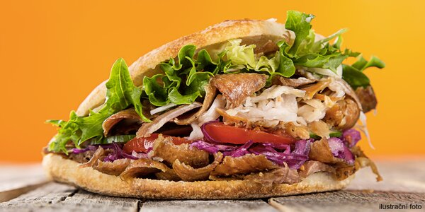 Kuřecí, telecí nebo mix kebab dle výběru a nápoj