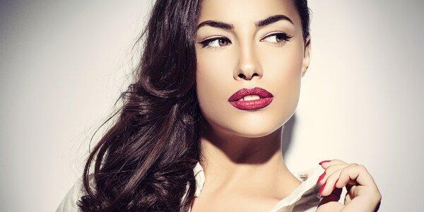 Permanentní make-up rtů, očních linek nebo obočí