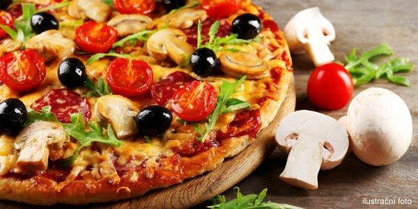 Bohatě zdobená křupavá pizza dle výběru