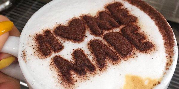Espresso, cappuccino i latte v cukrárně