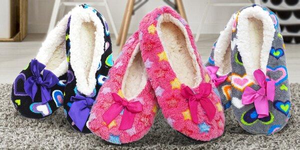 Dámské papuče s příměsí ovčí vlny ve 3 motivech