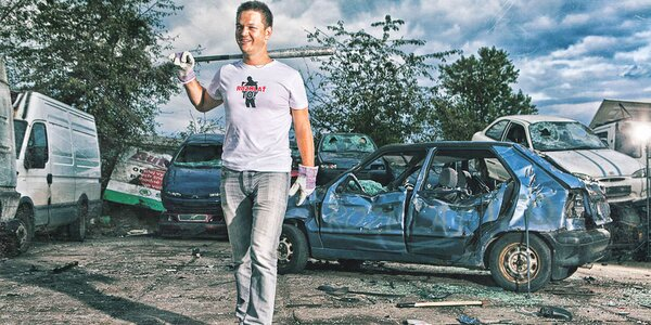 Destruktoterapie: 60 minut na rozmlácení auta