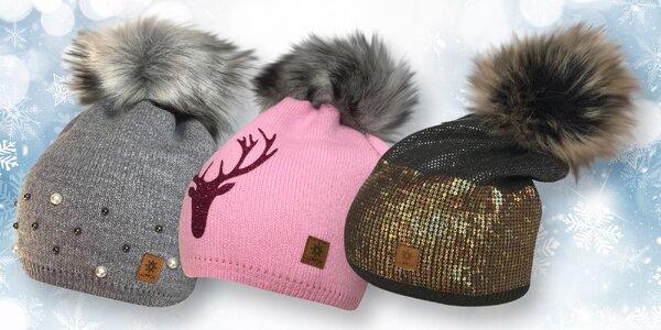 Dámské zimní čepice s kamínky i flitry a bambulí