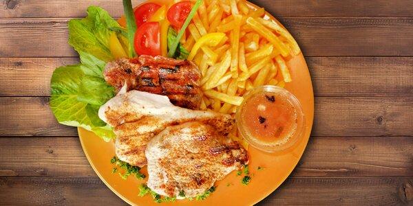 Tři druhy steaků s hranolky a omáčkou dle výběru