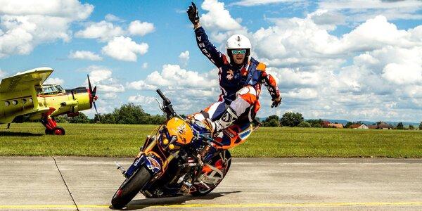 Kaskadérská motocyklová show a divoká spolujízda