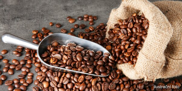 Dva 250g balíčky čerstvě pražené kávy