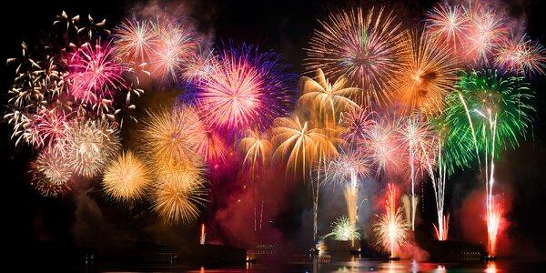 Velké kompakty ohňostrojů pro přivítání roku 2019