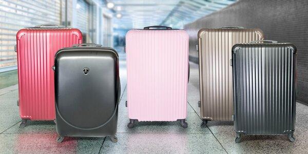 Velké skořepinové kufry vyrobené na Slovensku