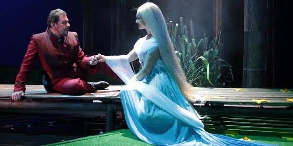 Divadelní představení dle výběru: Deburau či Rusalka
