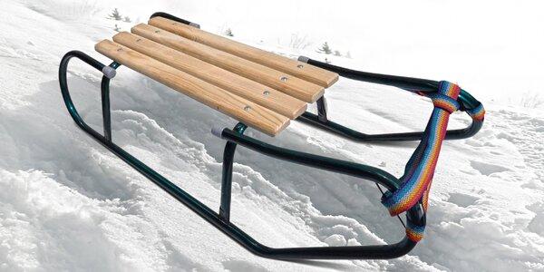 Saně s dřevěným sedátkem a nosností do 50 kg