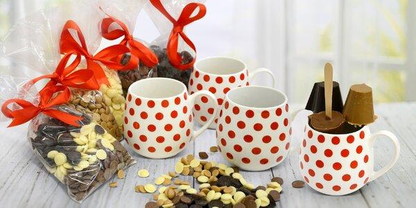 Hrníčky s variacemi čokolád: hořká, bílá i mléčná